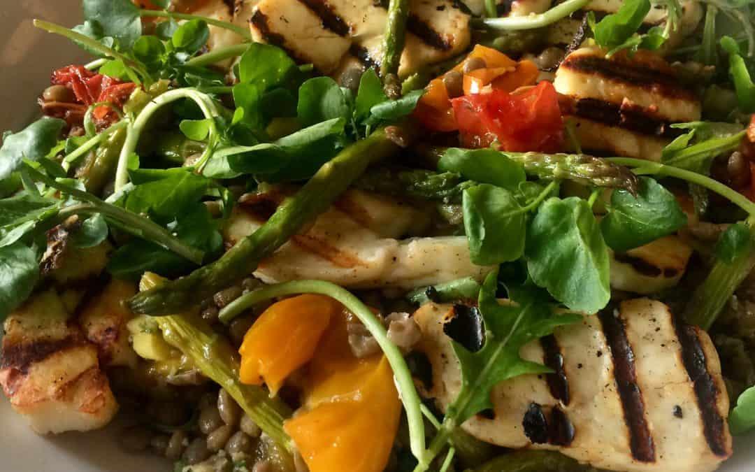 Grilled halloumi, vegetables and lentil salad